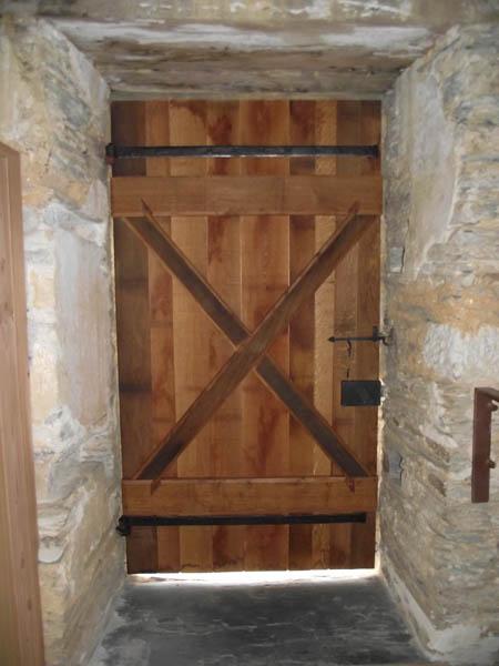 Porte d'église à Nozay (44)