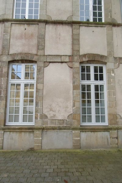 Menuiseries extérieures à la mairie de Mauléon