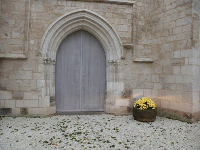 Porte Eglise à Ste Gemme La Plaine (85)