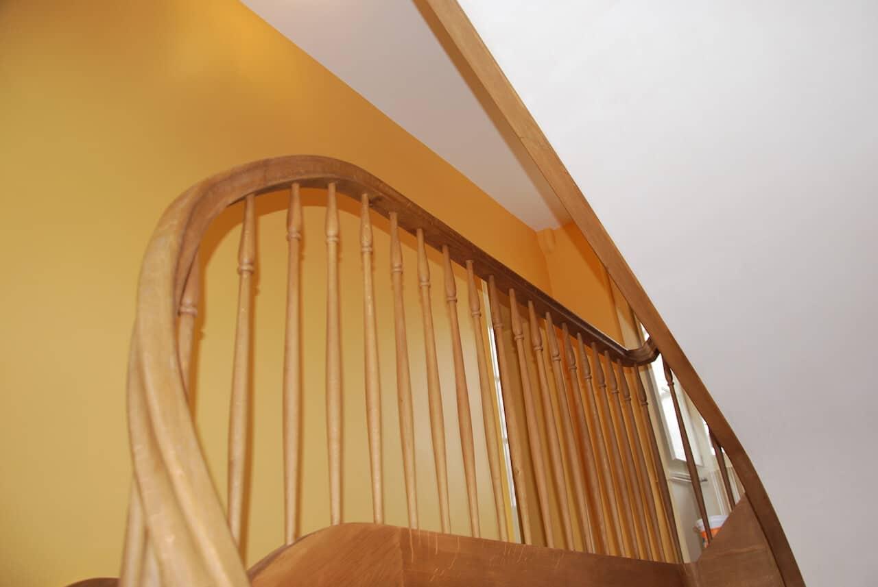 escalier limon courbe à proximité de Nantes